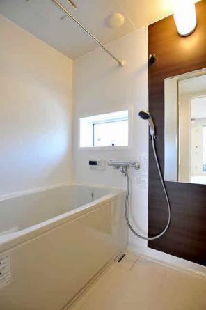 サウンドシステム付き浴室。