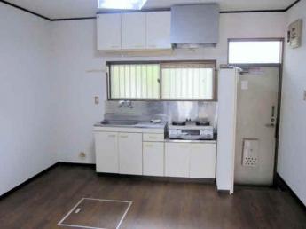室内参考写真 床下収納庫はありません。