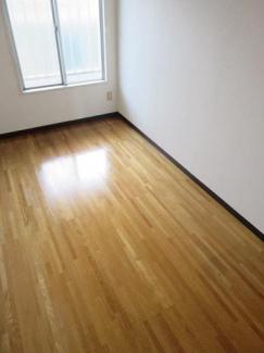 4.2帖の洋室です、クローゼットもあります!