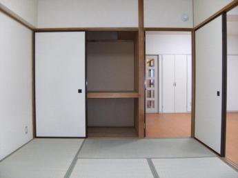 南側和室6畳