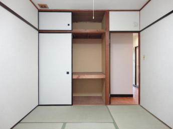 玄関側和室6畳
