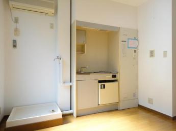 二階(洗濯機置場・キッチン)