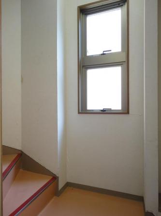 二階から三階への階段