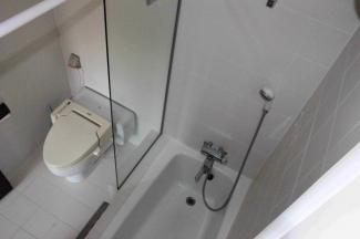 トイレ&シャワー室(2F)