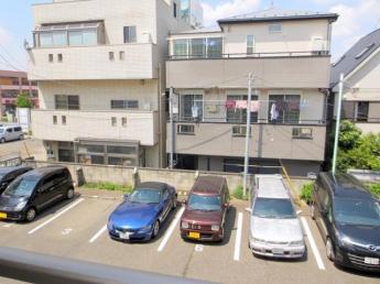 第一土橋マンション 敷地内駐車場 近くで安心便利です ( 有料1万円+税/月 )