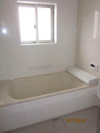 自動湯張予約可 広々1坪浴槽