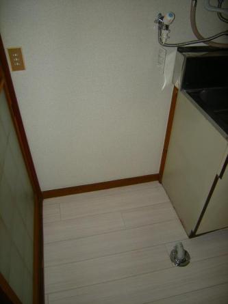 洗濯機置場(冷蔵庫置場は工夫しないといけません)