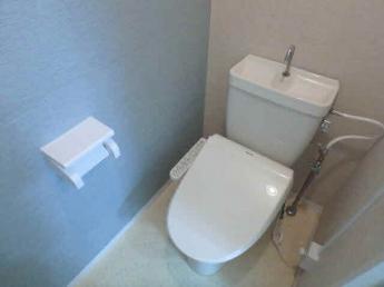 温水洗浄便座付きトイレです(参考写真)