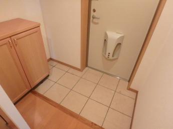 下駄箱付の玄関です