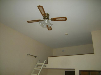 天井高くシーリングファンは便利です