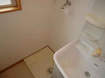 室内洗濯機置場(洗濯バンがあります)