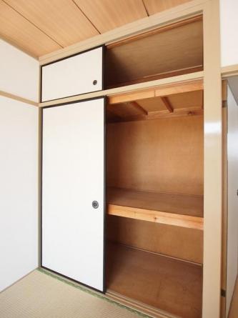 和室収納スペース。