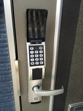 暗号式ロックドア
