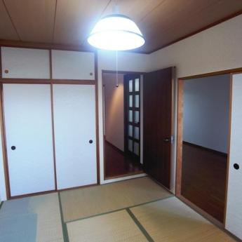 和室6畳・押入も一間有ります