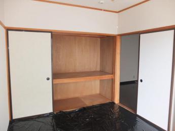 和室6帖 畳保護のためシートを敷いております