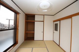 2階和室の収納です