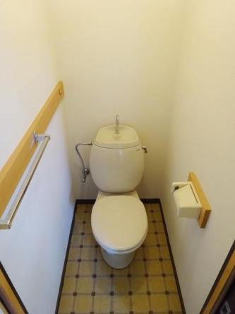 入居前に新規でウォシュレットを設置します。