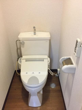 温水洗浄機能付き便座