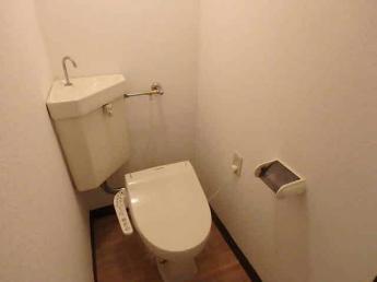 温水洗浄便座付トイレです(参考写真)