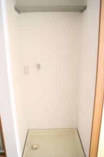 室内洗濯機置場・収納棚付