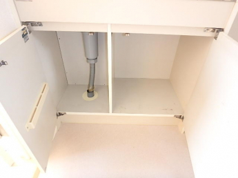 キッチン下収納(扉に包丁、お鍋やフライパンなどが収納出来ます)(参考写真)