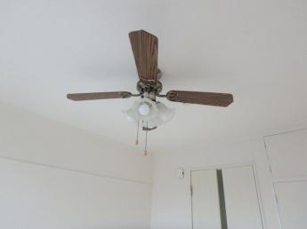 冷暖房効率が良いシーリングファンです(参考写真)
