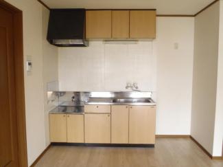 キッチン(ガスコンロ設置可能)
