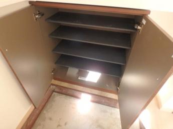 下駄箱があり靴がすっきり整理出来ます