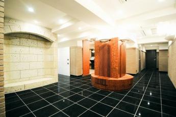 ホテルの様な 高級感のある エントランスロビー 安心のオートロック&24時間セキュリティーです
