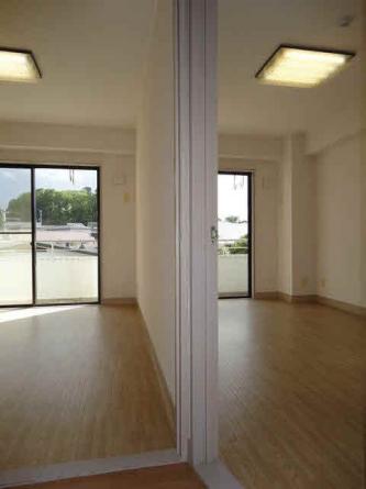 洋室7.5畳と6畳