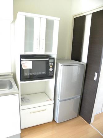 レンジボード・冷蔵庫・電子レンジ完備
