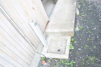 玄関横にある足洗い場