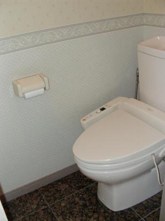 ウオシュレット付きトイレ