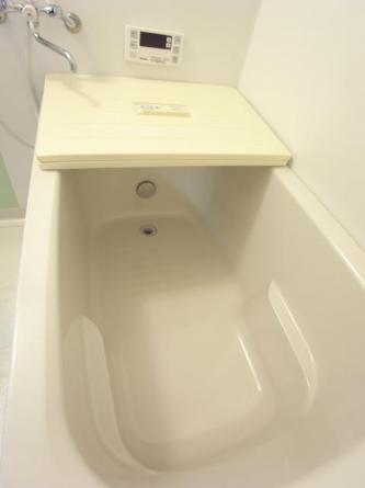 追焚付き、浴槽は新品