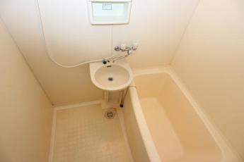 嬉しいバス・トイレ別タイプです!