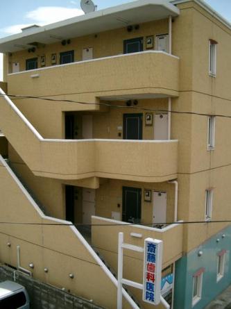部屋のある階までは、階段をご利用いただきます!