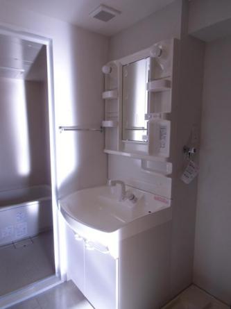 浴室、洗面、台所が1列に並ぶため家事動線がいいです。