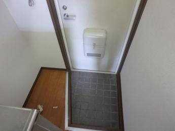 室内洗濯機置場です
