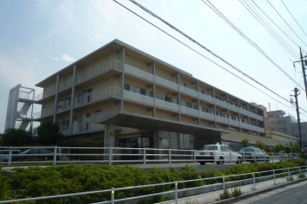 愛友会三郷中央総合病院まで1558m